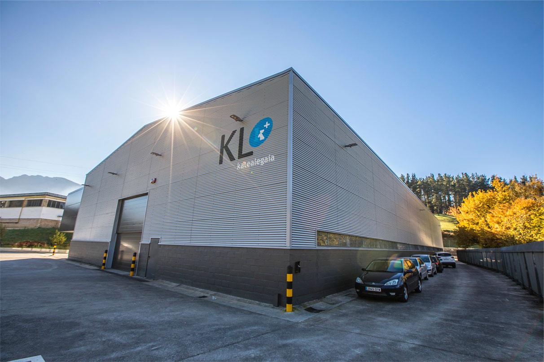 En marcha la nueva planta industrial de KL en Oñati
