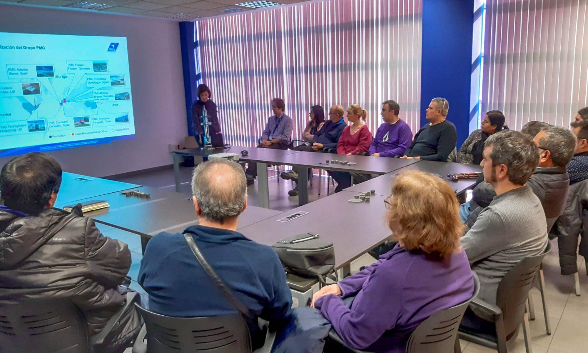 Trabajadoras/es de KL katealegaia visitan las instalaciones del cliente PMG Polmetasa