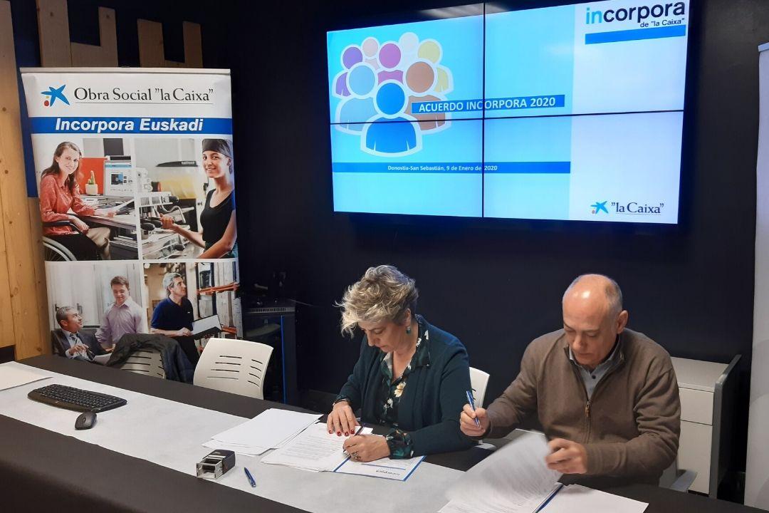 KL katealegaia firma el nuevo Convenio Incorpora de la Caixa